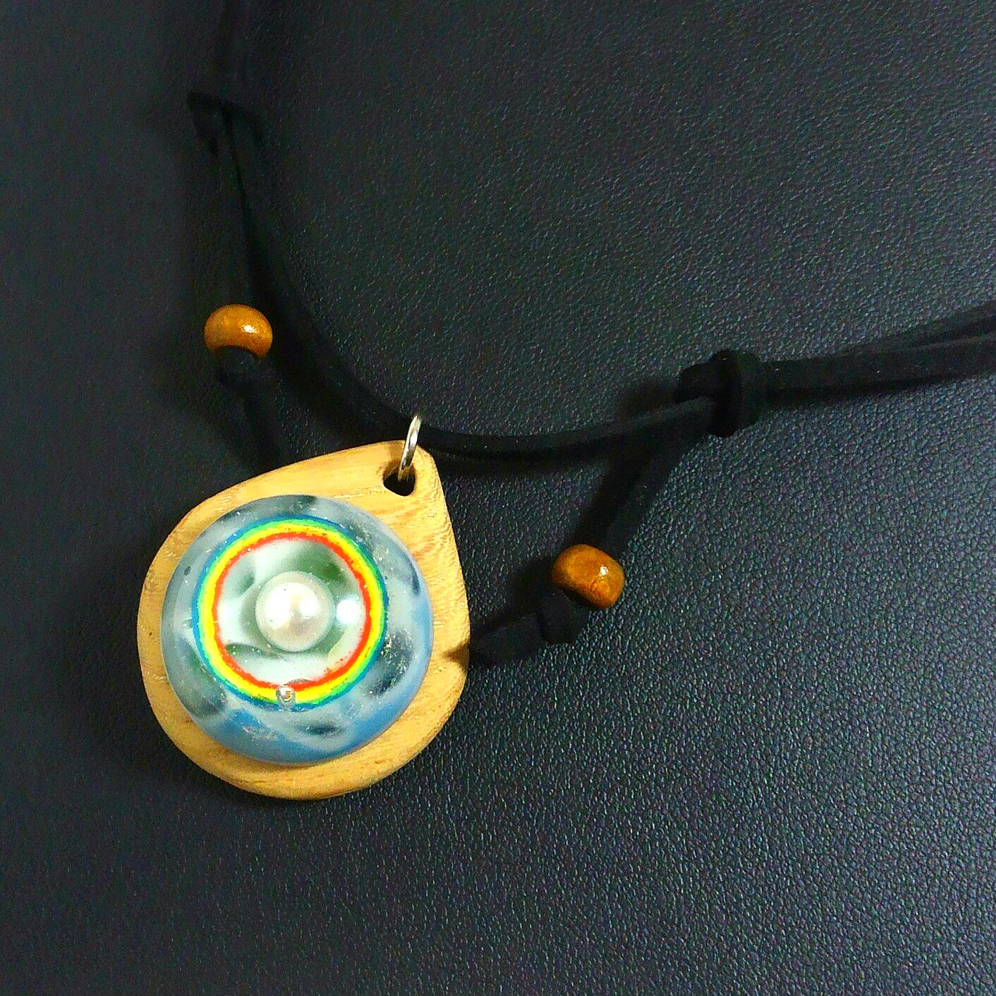 ハロ(虹の輪) オルゴナイトウッドペンダント